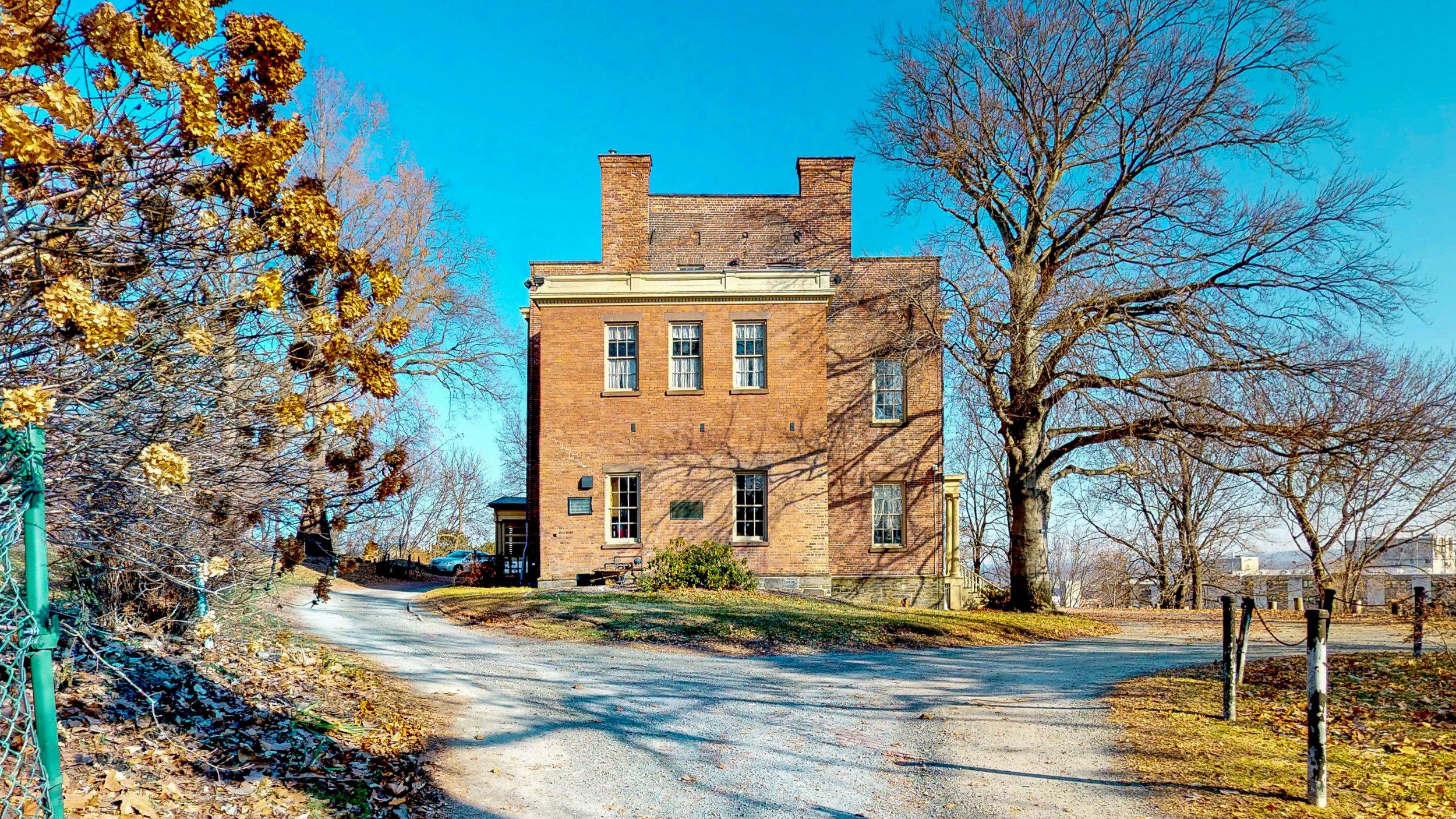 Ten-Broek-Mansion-12122018_084735.jpg