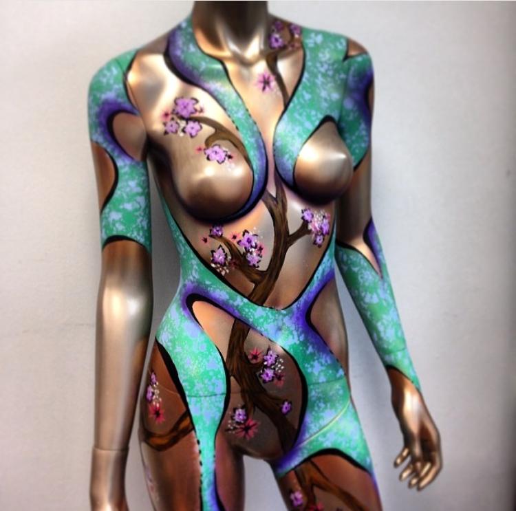 airbrush body painting