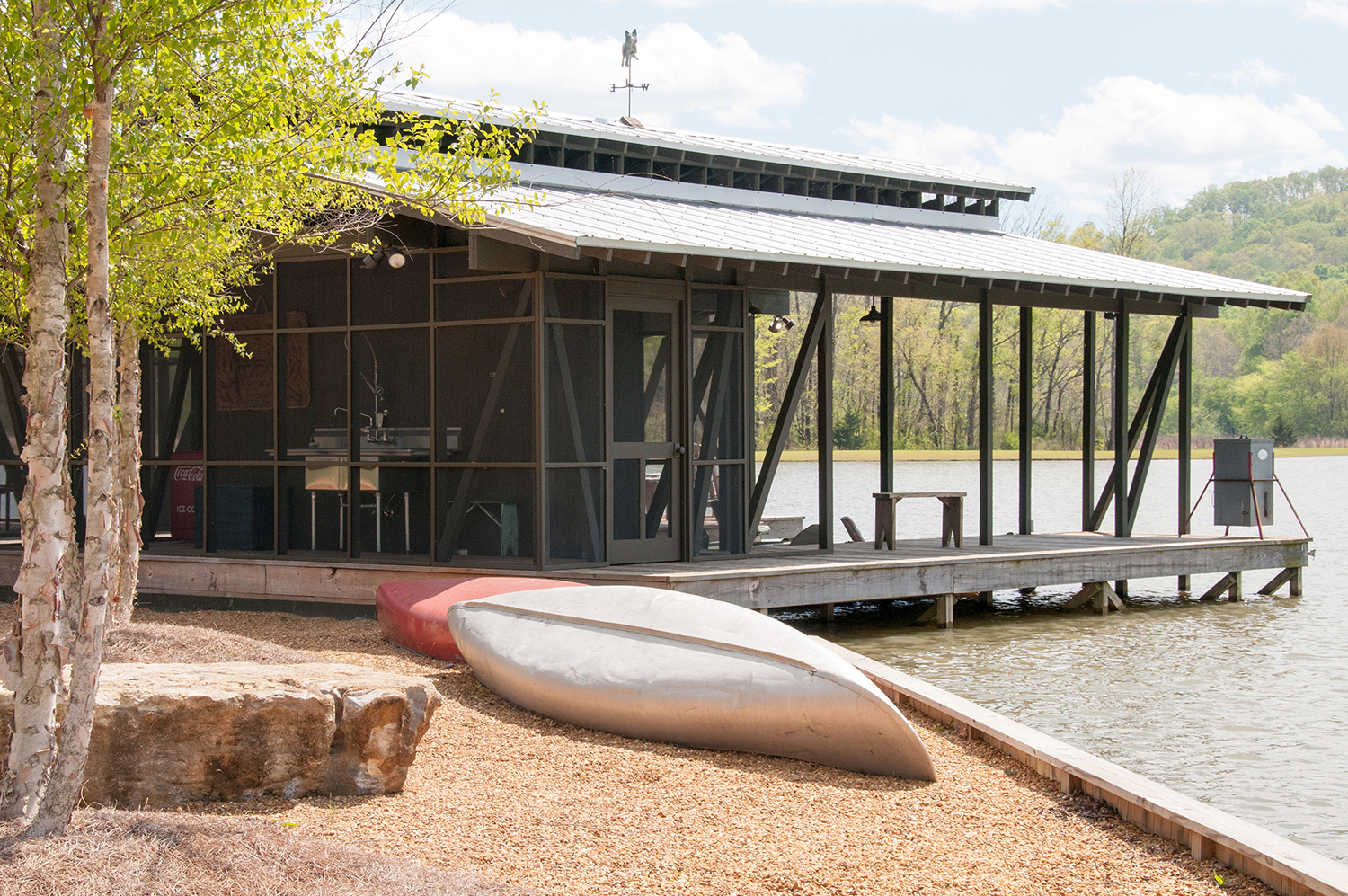 sugar_creek_farm_boathouse_11_pond_lake_boat_house_dock_screened_porch_fish_cleaning_station_1500.jpg