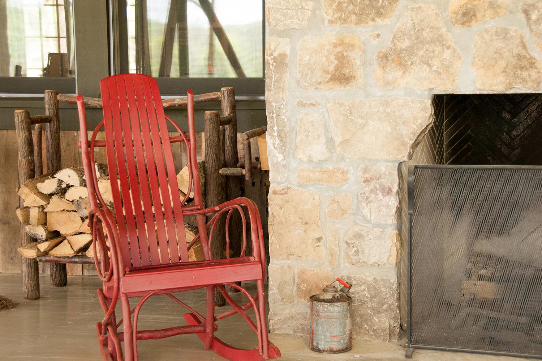 sugar_creek_farm_10_lakehouse_lake_house_screened_porch_farmhouse_stone_fireplace_1500.jpg