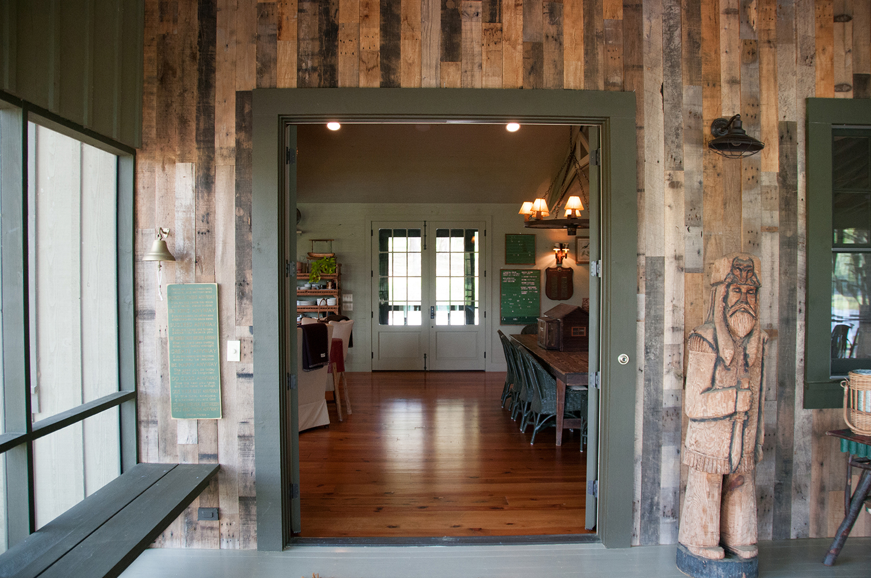 sugar_creek_farm_11_lakehouse_lake_house_screened_porch_farmhouse_dining_foyer_1500.jpg