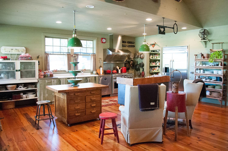 sugar_creek_farm_12_lakehouse_lake_house_kitchen_farmhouse_1500.jpg