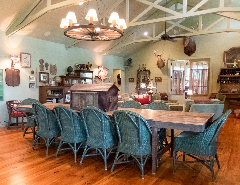 sugar_creek_farm_18_lakehouse_lake_house_dining_room_farmhouse_truss_vaulted_ceiling_1500.jpg