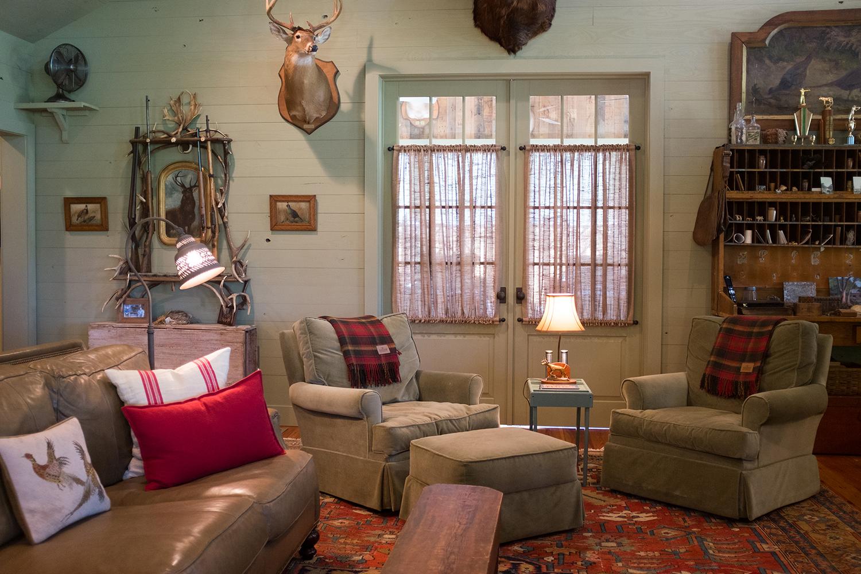 sugar_creek_farm_24_lakehouse_lake_house_den_sitting_room_sleeping_porch_farmhouse_1500.jpg