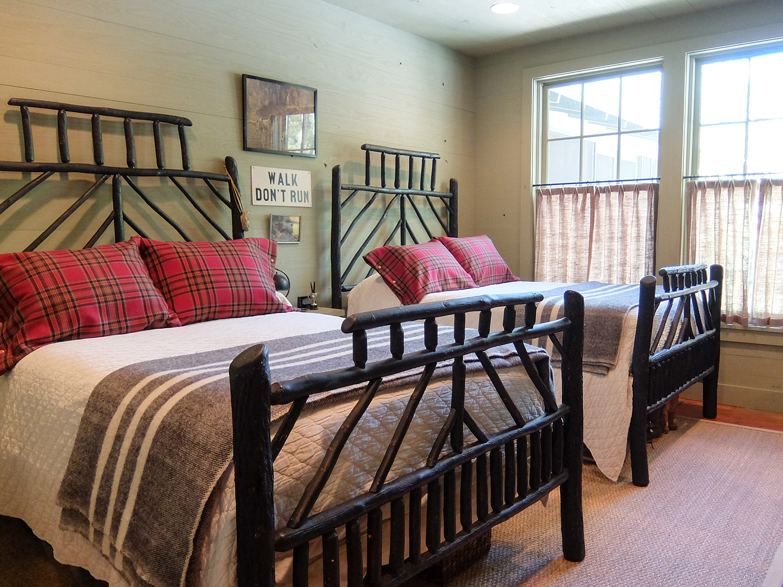 sugar_creek_farm_36_lakehouse_lake_house_guest_room_bed_farmhouse_1500.jpg