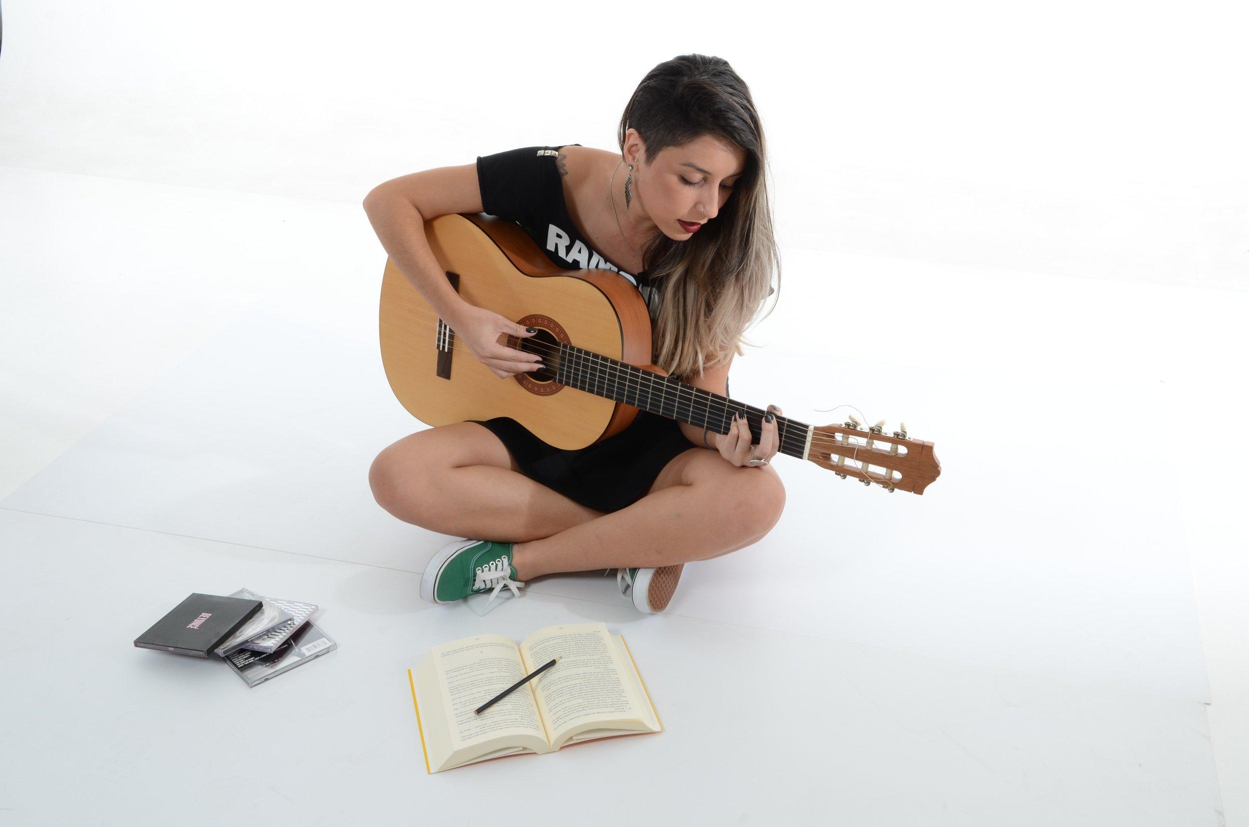 acoustic-adolescent-beautiful-164809.jpg