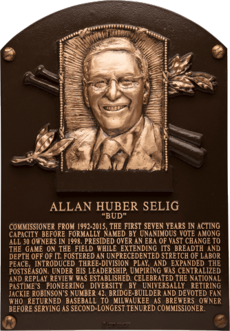 Selig-plaque-2.png