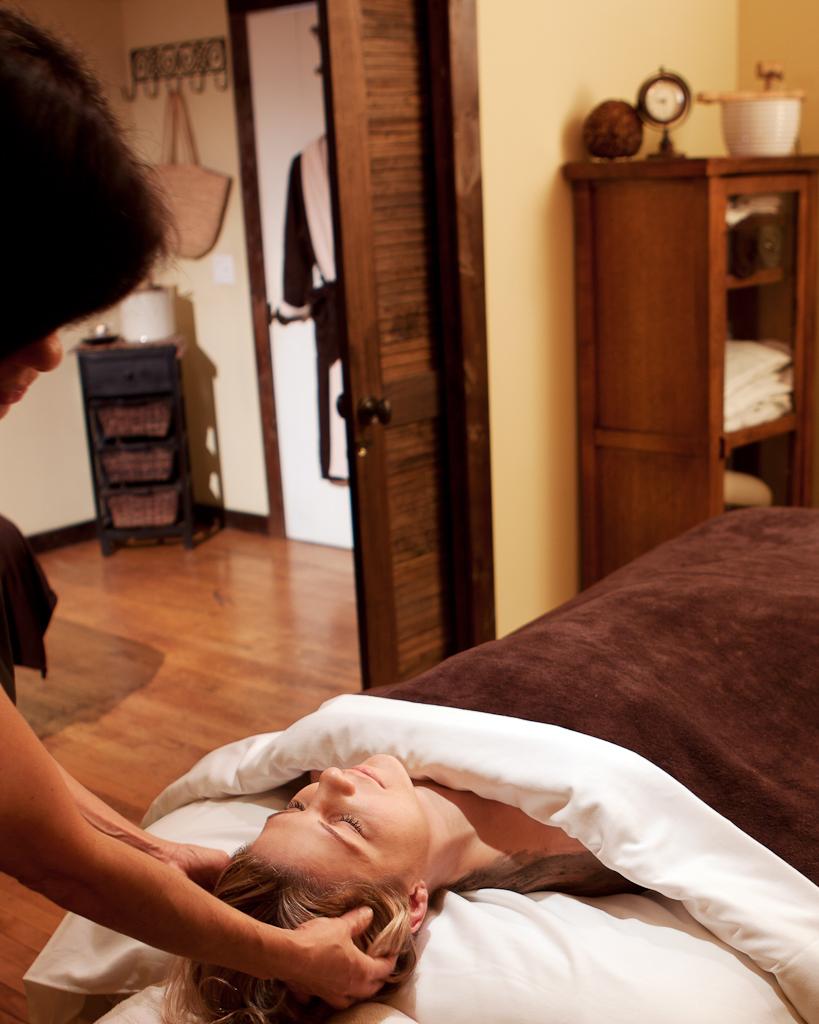 Le Reve's Experienced Massage Therapist