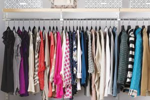 Deciding what to wear when the weather is warm and the office is cold can be tricky.