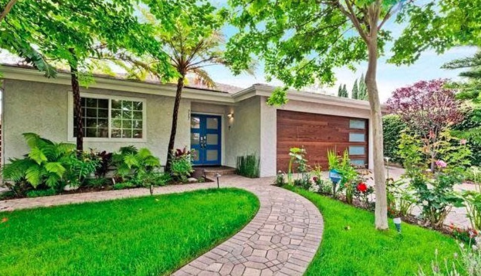 717 N Fuller Ave | West Hollywood | $2,300,000