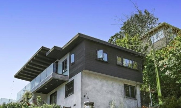 8560 Ridpath Dr | Hollywood Hills | $1,850,000