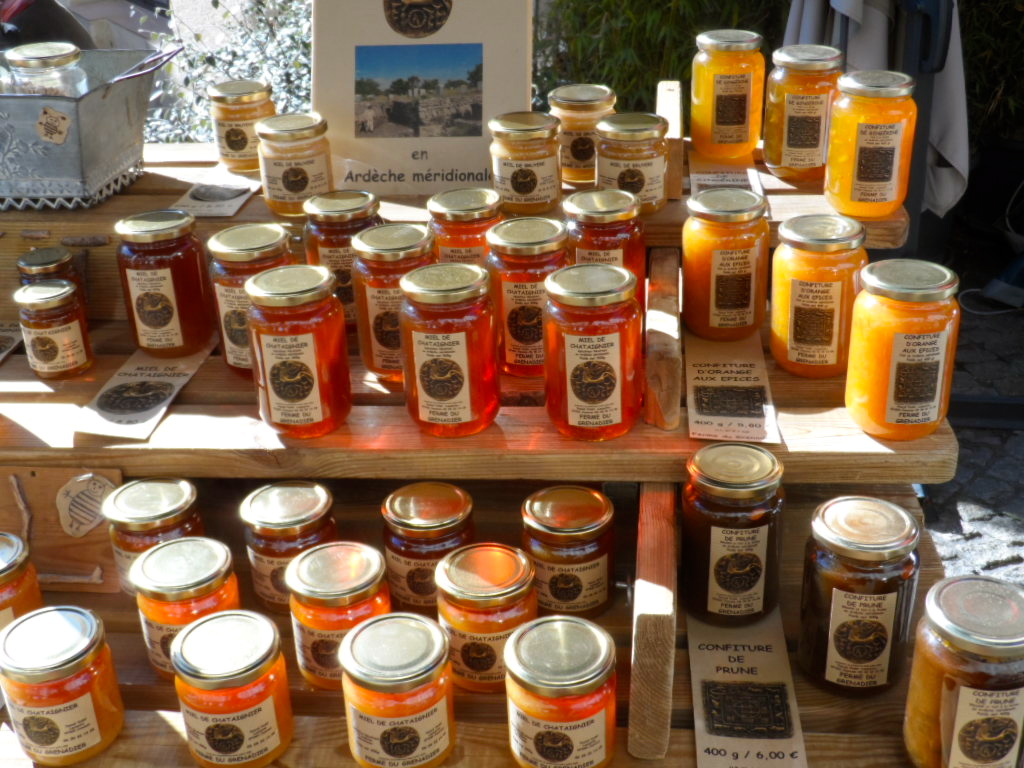 http://www.parc-monts-ardeche.fr/decouvrir-les-monts-d-ardeche/degustez-les-produits-du-parc/le-miel.html