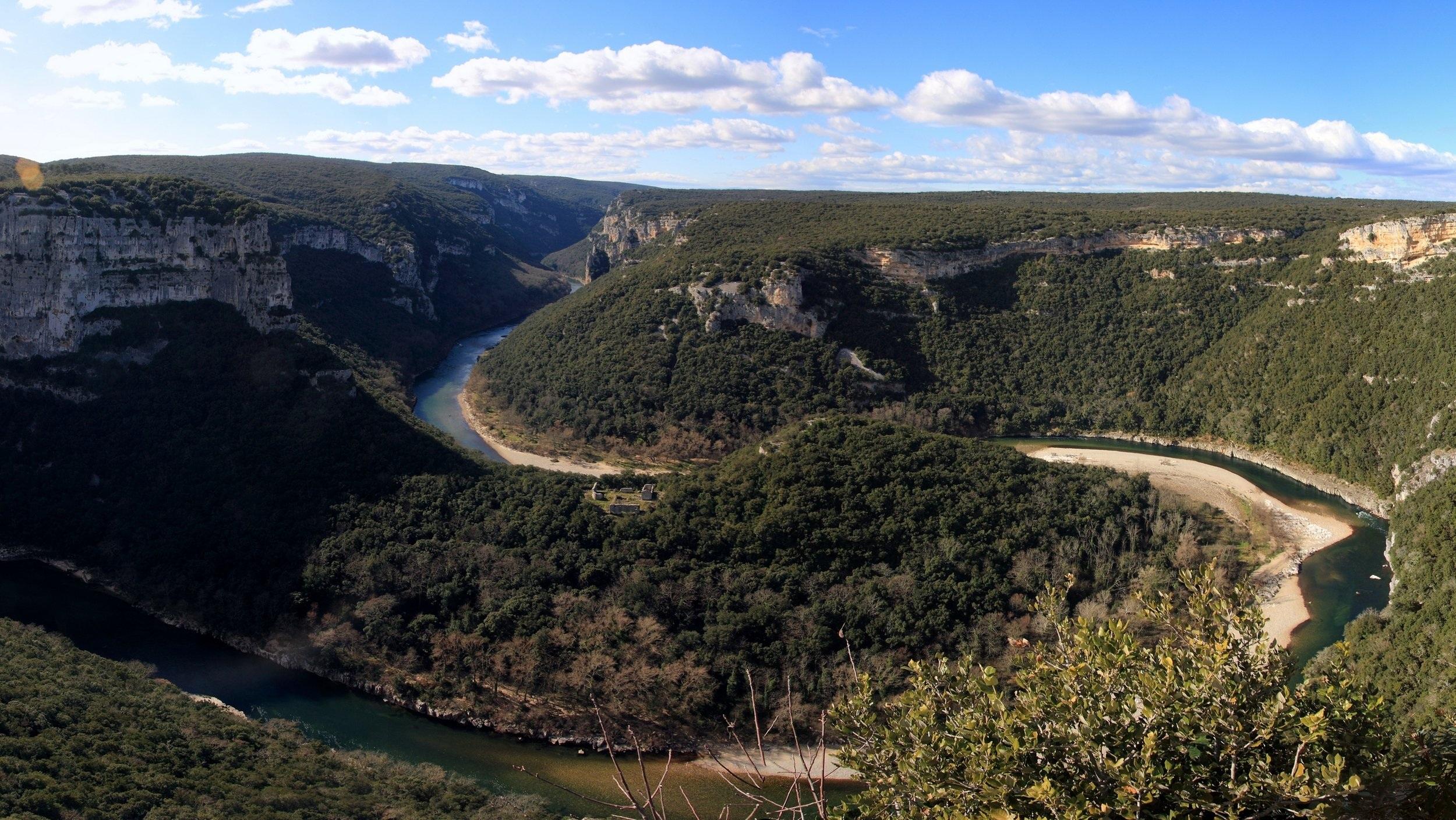 http://www.ardeche-tourisme.com/s-informer/offices-de-tourisme-4/