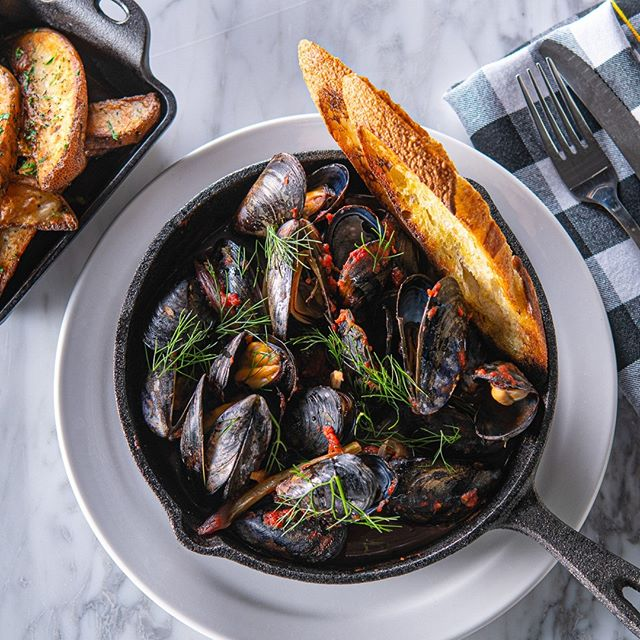 Salt Spring Island mussels, roasted fennel and onions, tomatoes, fresh thyme, lemon. Perfect for the weekend @sprezzatura_van 📷 @tobynross⁠ .⁠ .⁠ .⁠ #SaltSpringIsland #mussels #SprezzaturaYVR #VancouverFoodies #YVRFood #604Eats #Vancouver #MountPleasant #foodphotographyandstyling #vancouverfoodphotographer⁠ #buylocalbc #foodphotography #fishfriday #seafood #foodstyling #vaneats #dishedvan #yvreats #vancityeats #vancouver #vancouvereats #yvrfood #vancouverfood #vancouverisawesome #vancitybuzz #yvrfoodie #vanfoodie #dailyhivevan⁠