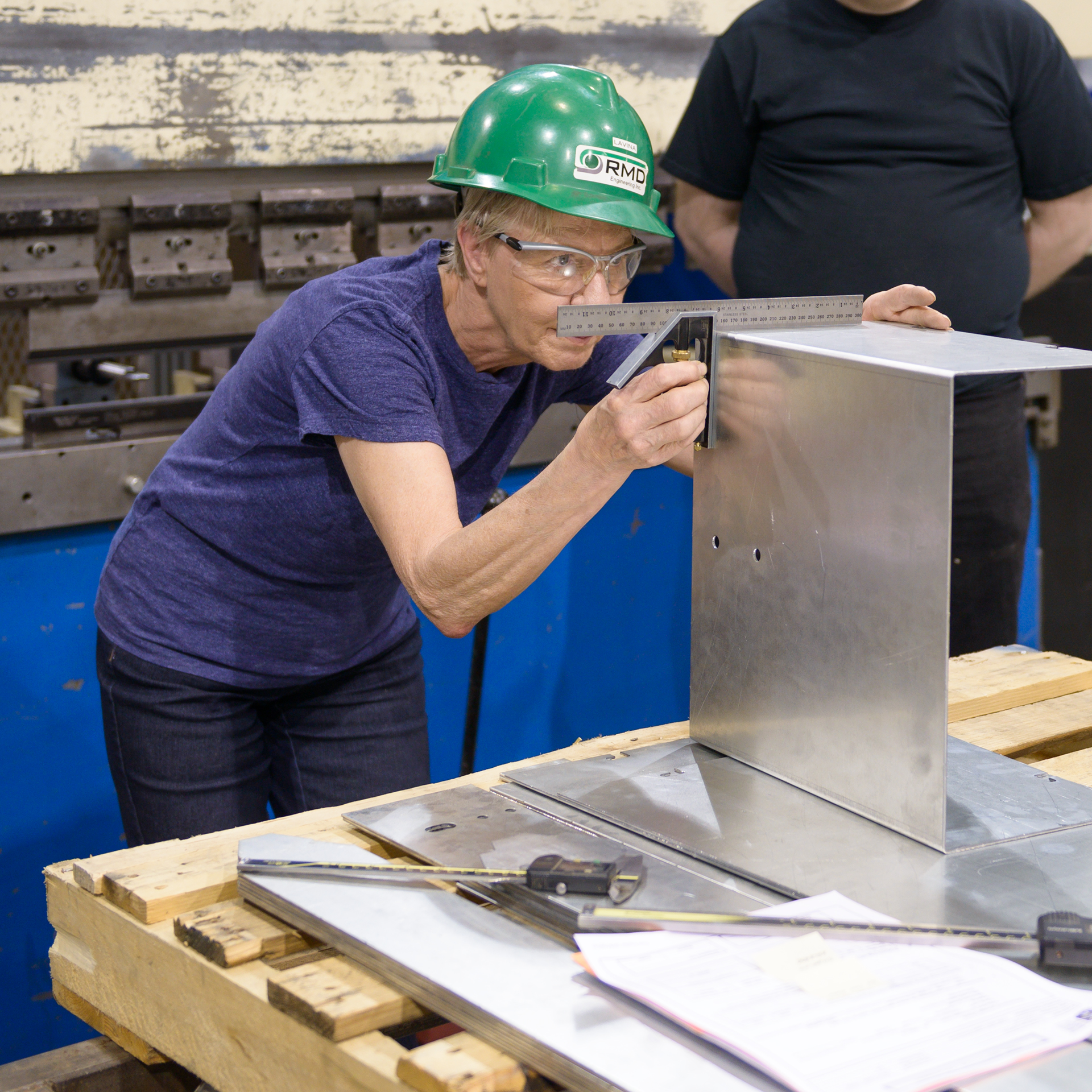 SMW---Sheet-Metal-Processing---Quality-Check.jpg