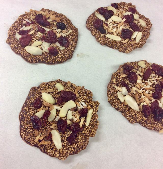 Vegan Quinoa Crisps topped with coconut, almonds and cranberries. #vegan #coffeeshop #hannibalmo
