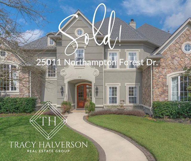Another home sold by the Tracy Halverson Real Estate Group!  Thinking of buying or selling?  Let's have a conversation! #realtor#realestatethewoodlandstx #realestate#isellhomes