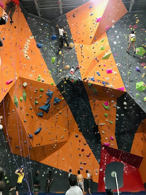 Rock Climbing at The Cliffs LIC — Brooklyn Base Camp
