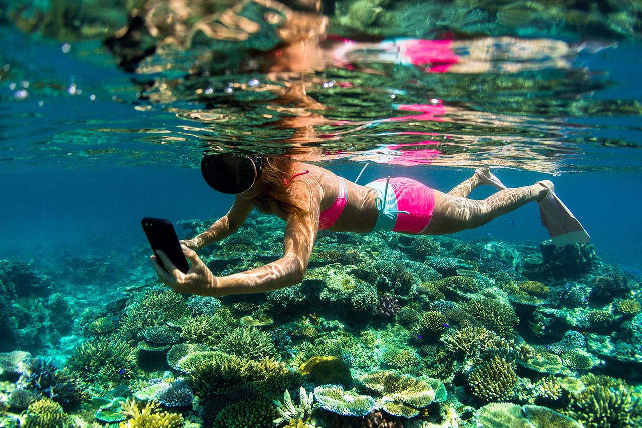 AlisonTeal_Pelican_Iphone_Waterproof_Case_0417.jpg