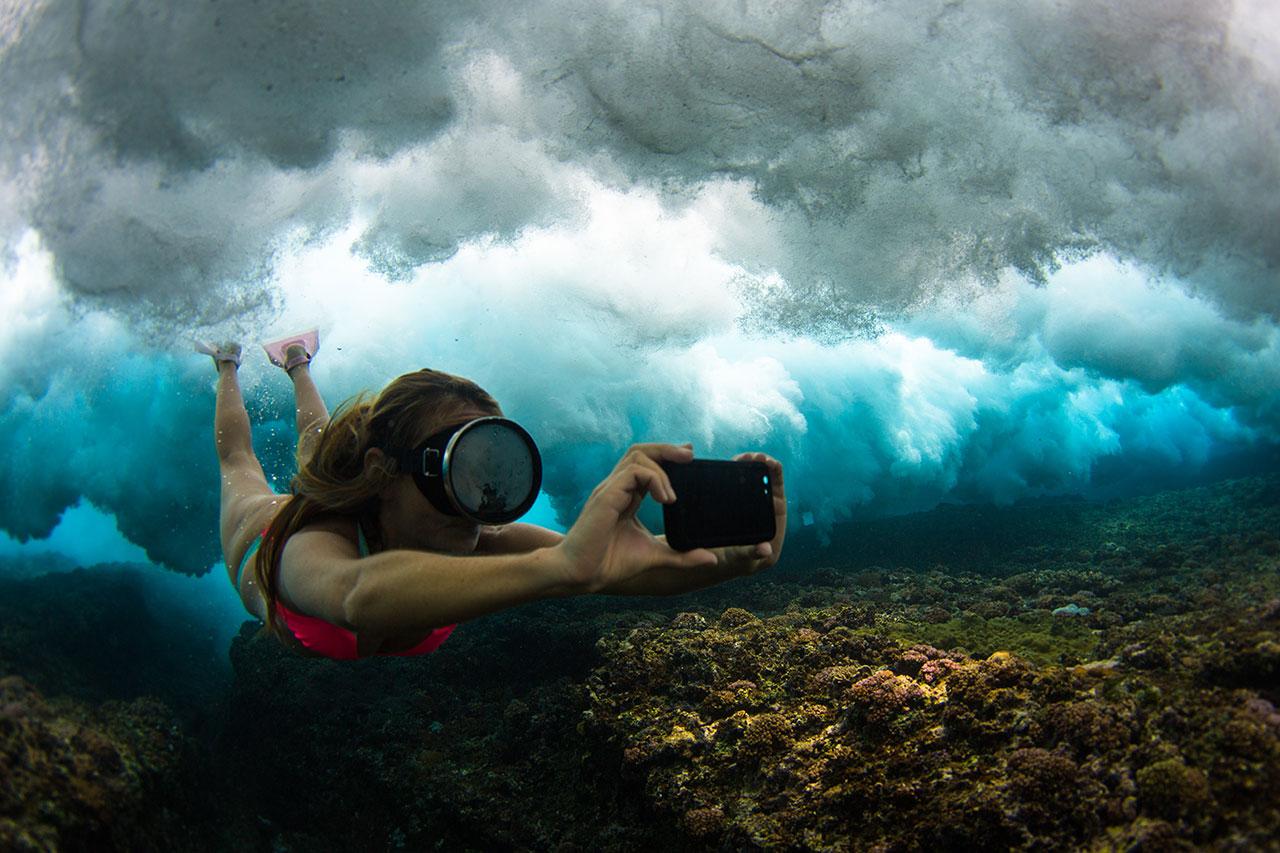 AlisonTeal_Pelican_Iphone_Waterproof_Case_3163.jpg