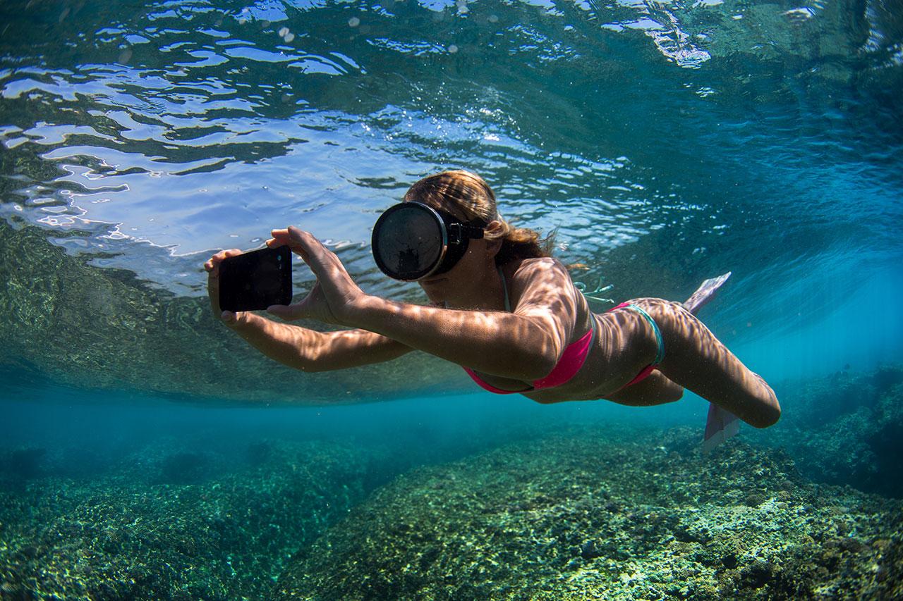 AlisonTeal_Pelican_Iphone_Waterproof_Case_3086.jpg