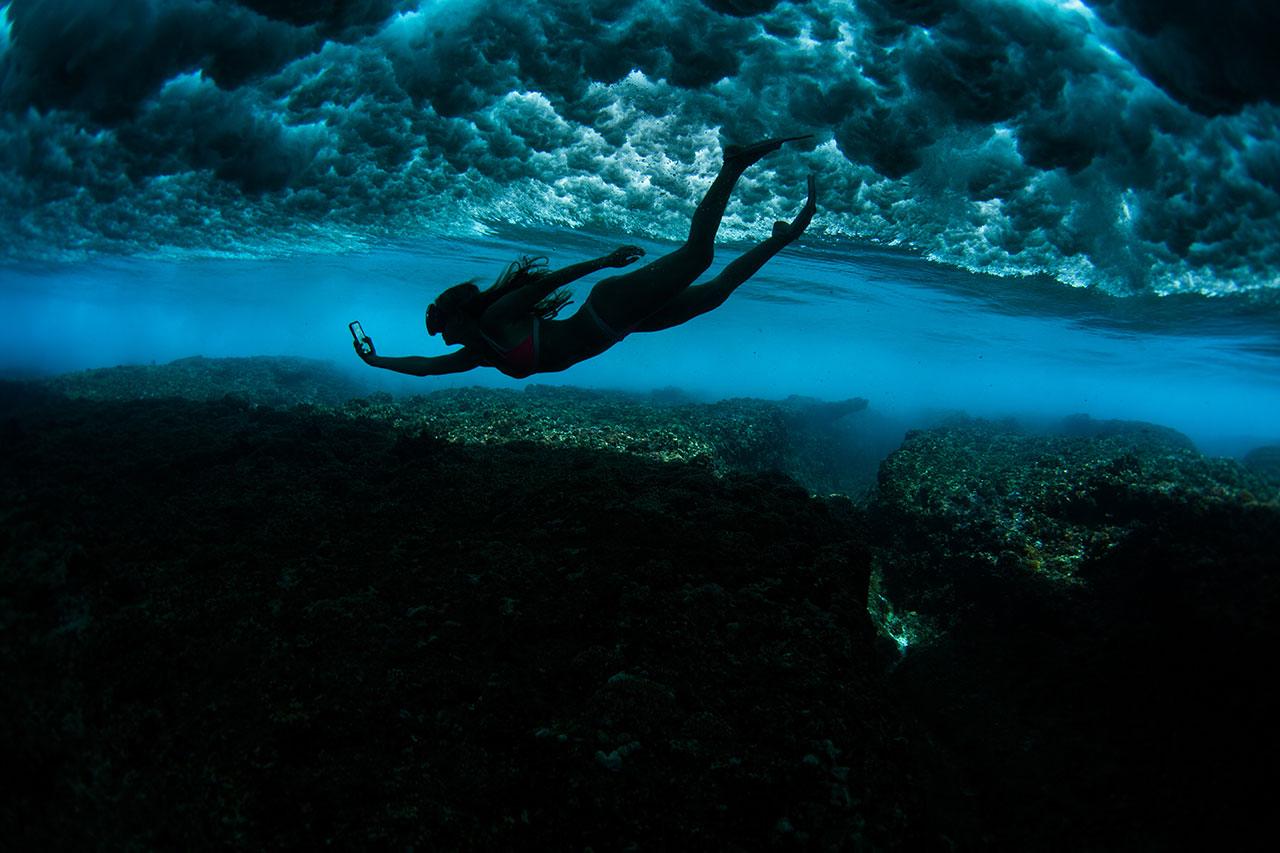 AlisonTeal_Pelican_Iphone_Waterproof_Case_3174.jpg