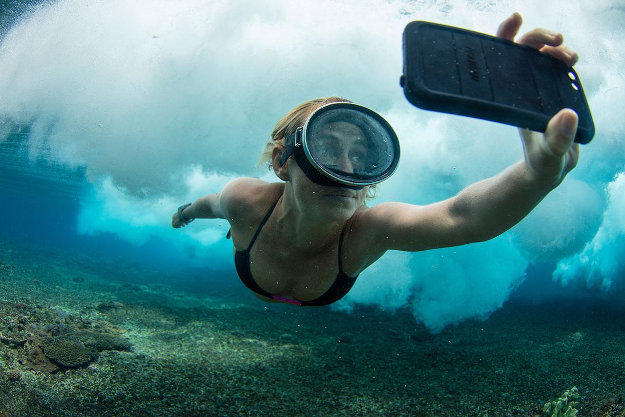 AlisonTeal_Pelican_Iphone_Waterproof_Case_3652.jpg