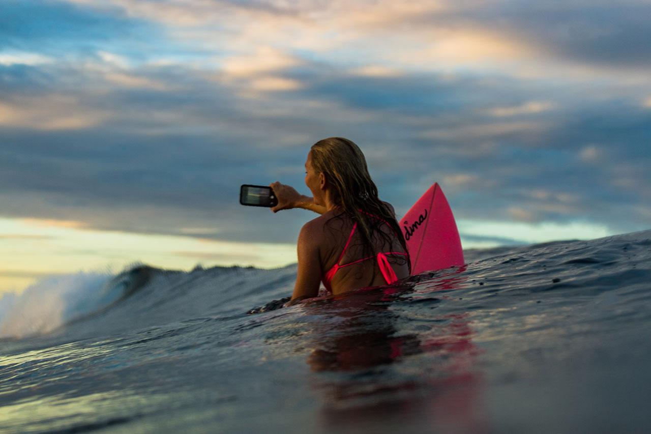 AlisonTeal_Pelican_Iphone_Waterproof_Case_4478.jpg