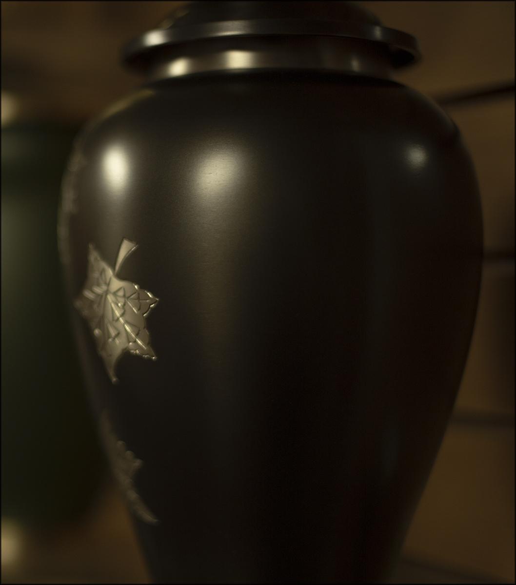 urn 1.jpg