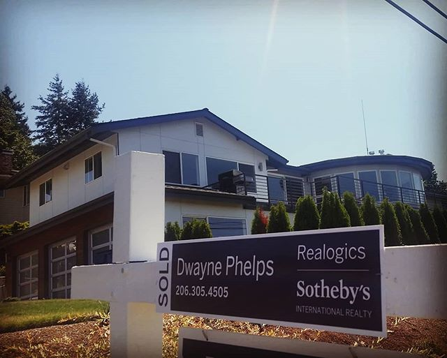 Congrats to our buyer for nabbing this beauty in Edmonds! . . . . . . . . . . #phelpsrealestategroup #pending #realestate #edmonds #sunnydays #realtor #buyers