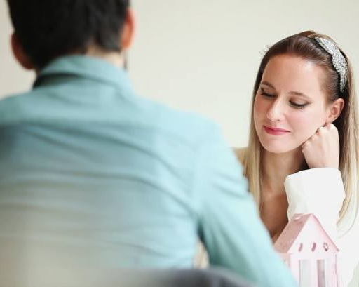 stock-footage-beautiful-couple-talking-at-table-in-restaurant-730x410.jpg