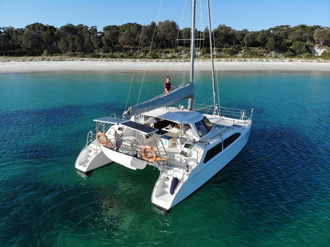 Seabattical - An open plan cruising catamaran fully equipped with BBQ, soundsystem and more.