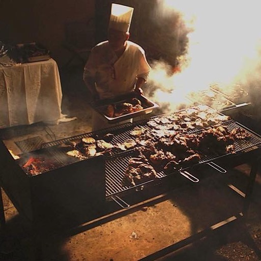 Our grill night ! #brunch #pranzo #lunch #weekendfood #taste #gusto #restaurantdesign #vintage #atmosphere #winterintuscany #winterplace #wheretogo #holiday #countrystyle #elegance #arezzo #toscana #arnotizie #tuscanyeats#tuscanyweddings #tasteoftuscany #welcometotoscana #tuscanywine #agriturismotoscana #culturetrip #culturalevent #meat