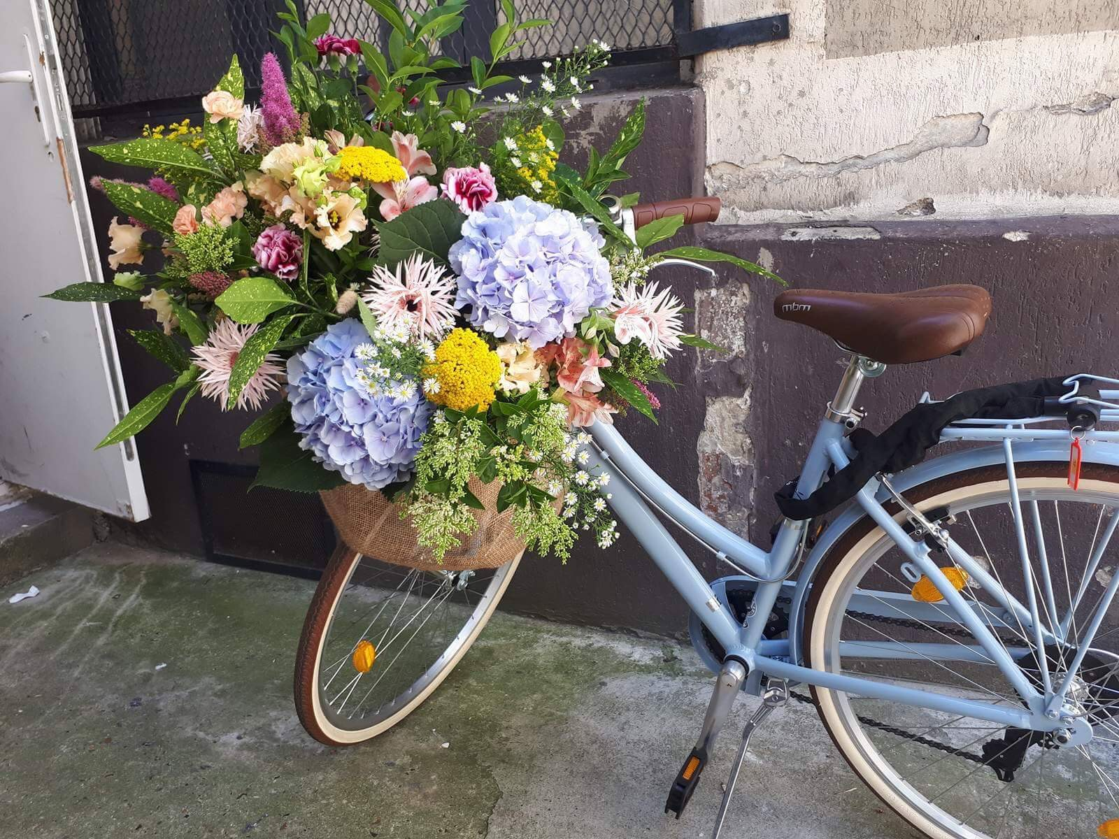velo_fleurs_paris.jpeg