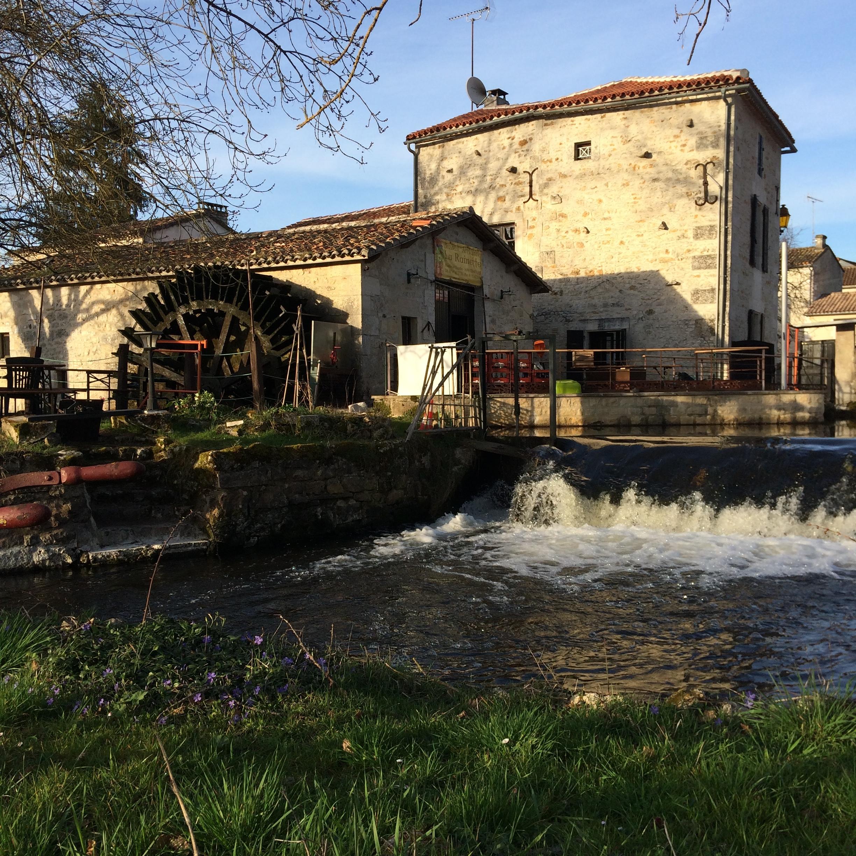 Un cadre d'exception - Le Moulin de Chazelles au bord du Bandiat