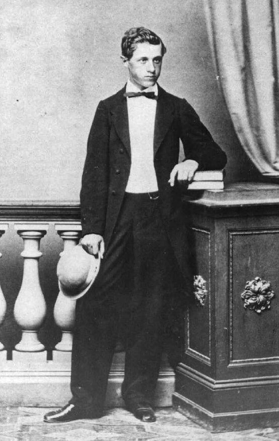 Velimir Mihailo Teodorović fotografisan 1865. godine. Foto: Wikipedia