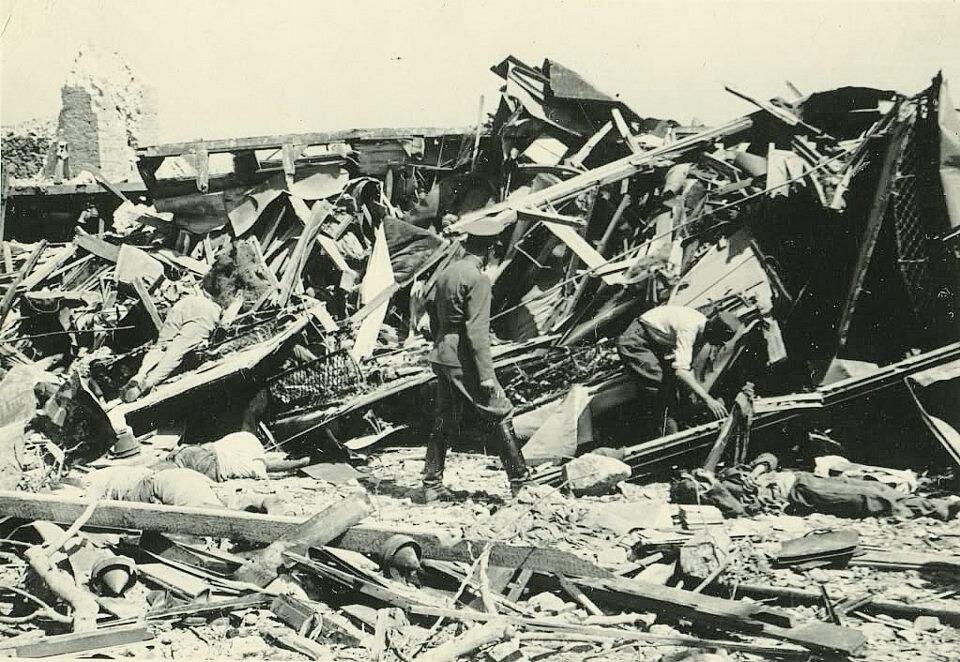 Ostaci voza stradalog u eksploziji
