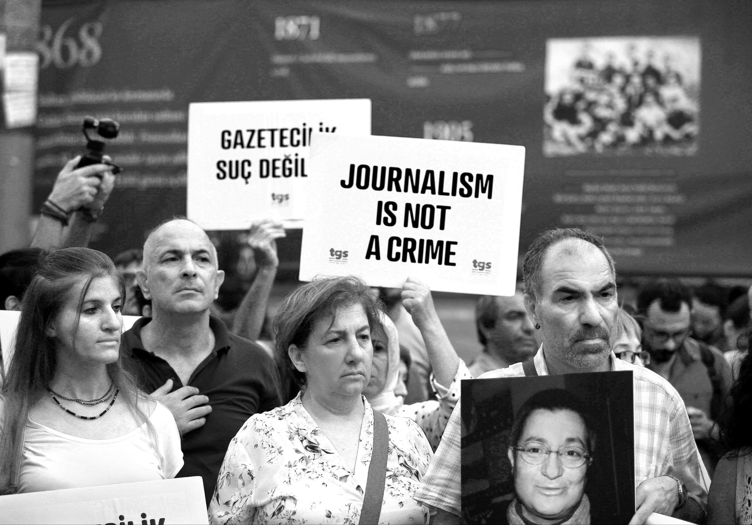 « Le journalisme n'est pas un crime » – Manifestation des syndicalistes pour la liberté des médias. Photo: REUTERS/ Osman Orsal
