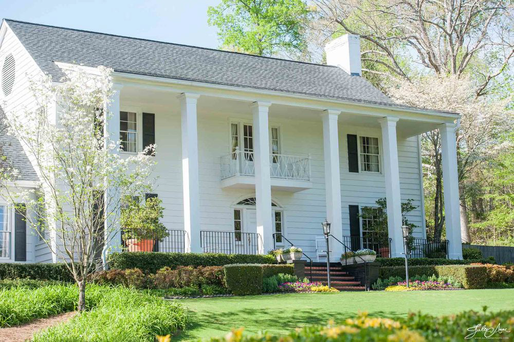 Colonial Estate - Three Magnificent AcresSouthern with A Modern TwistLarge Rooms With Space To Entertain