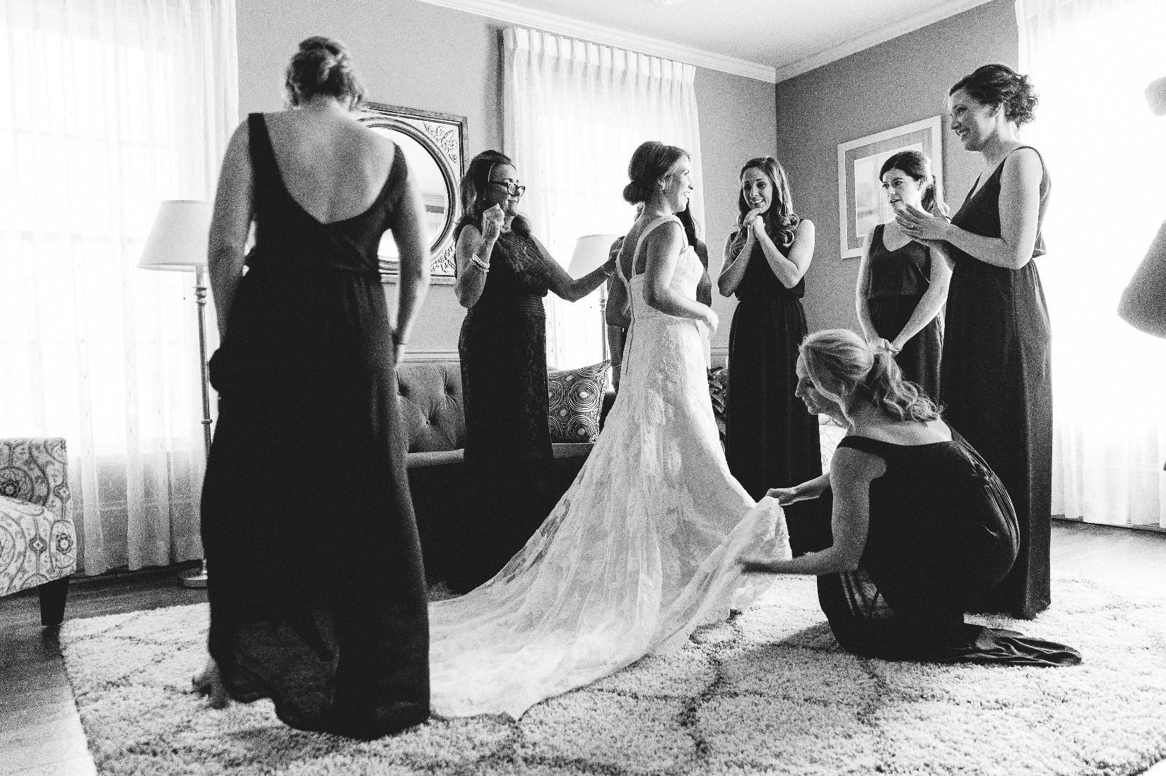 Bridesmaids Lounge 2.jpg