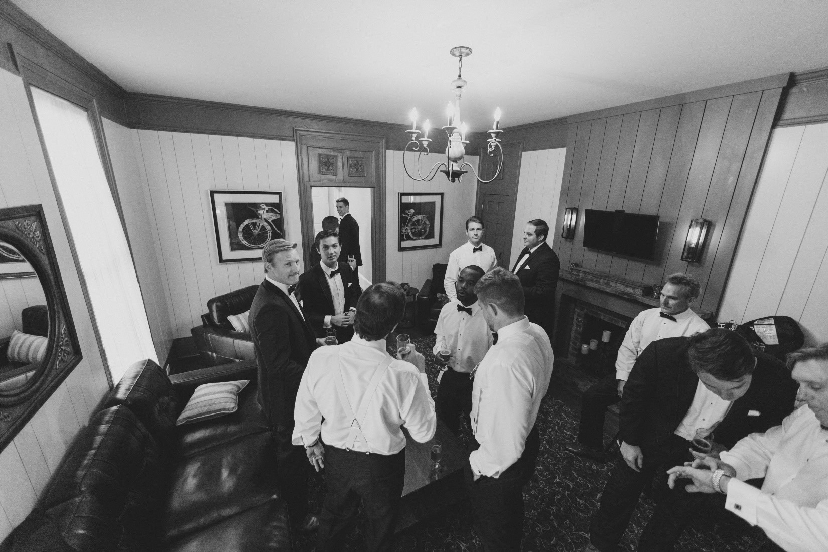 Groom_s Lounge 3.jpg