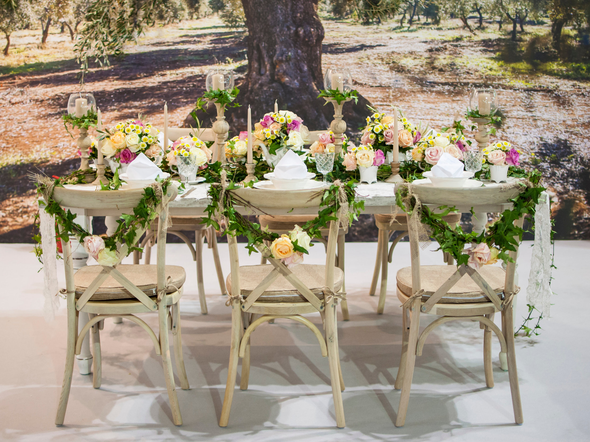 Flint hill - fresh flower centerpiece.jpg