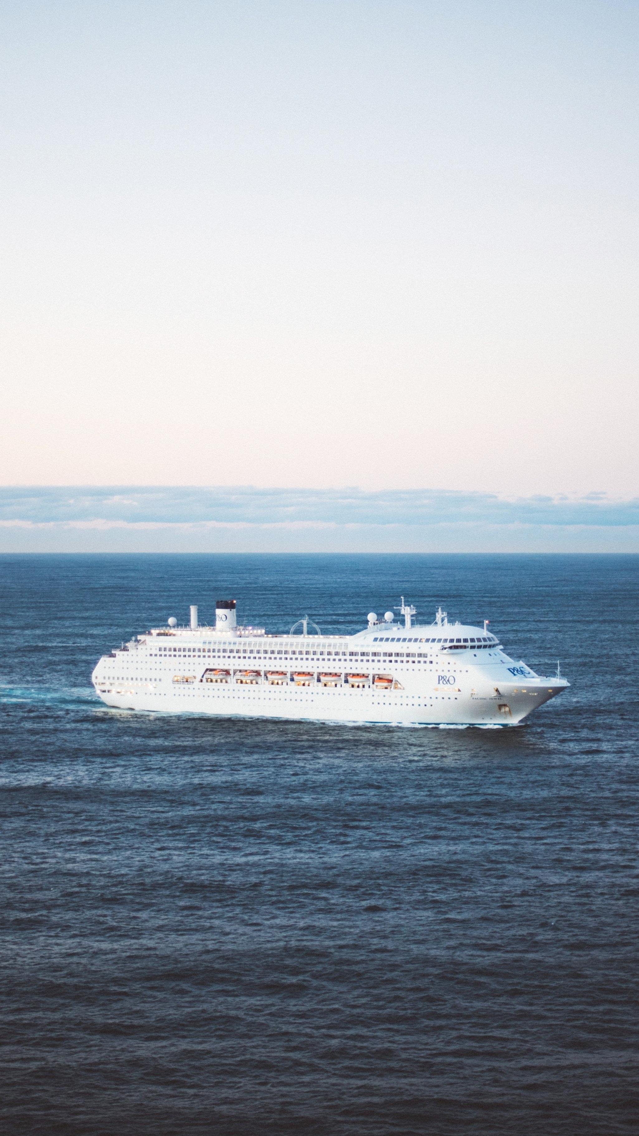 Cruise%2BVertical.jpg