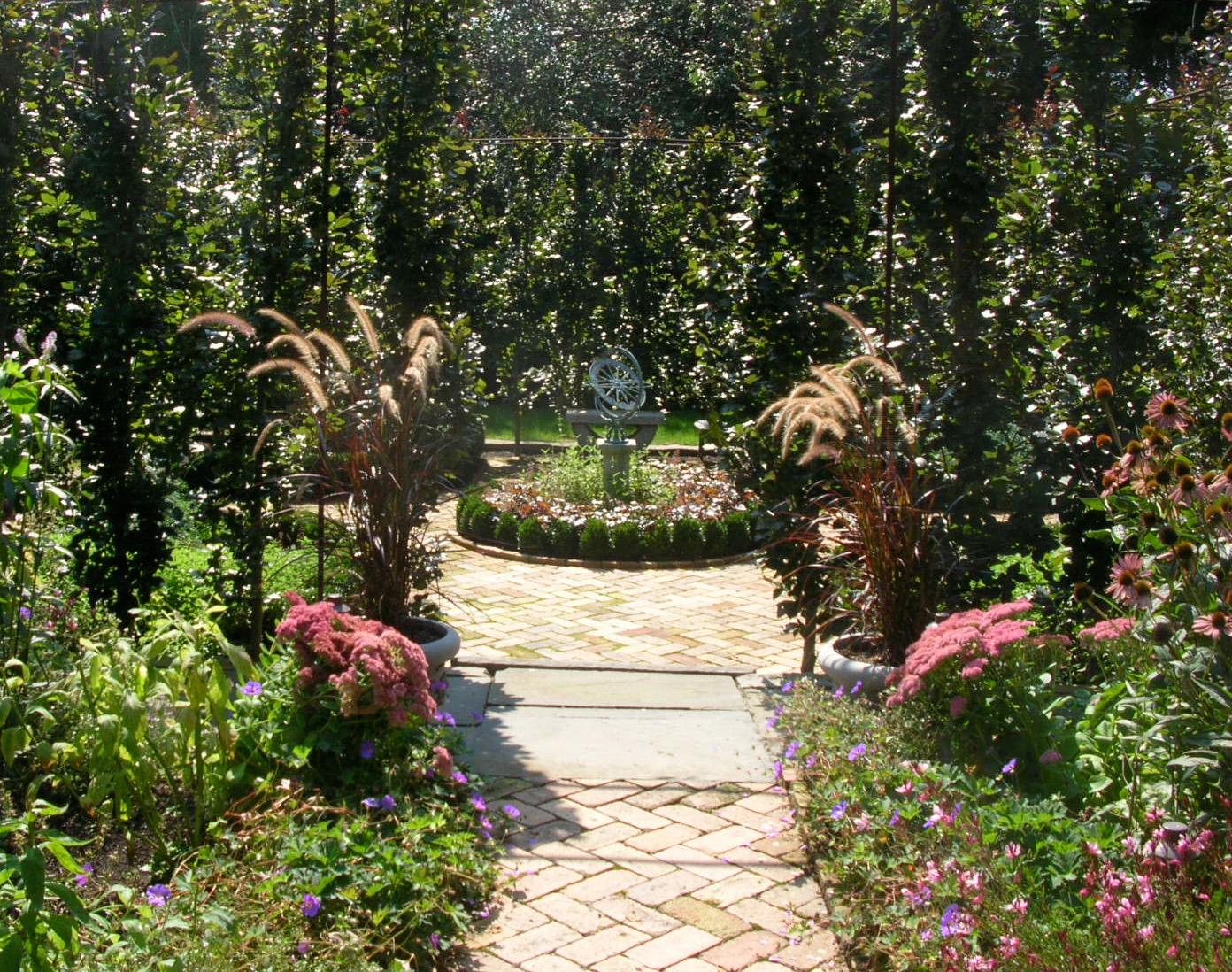 secret_garden2.jpg