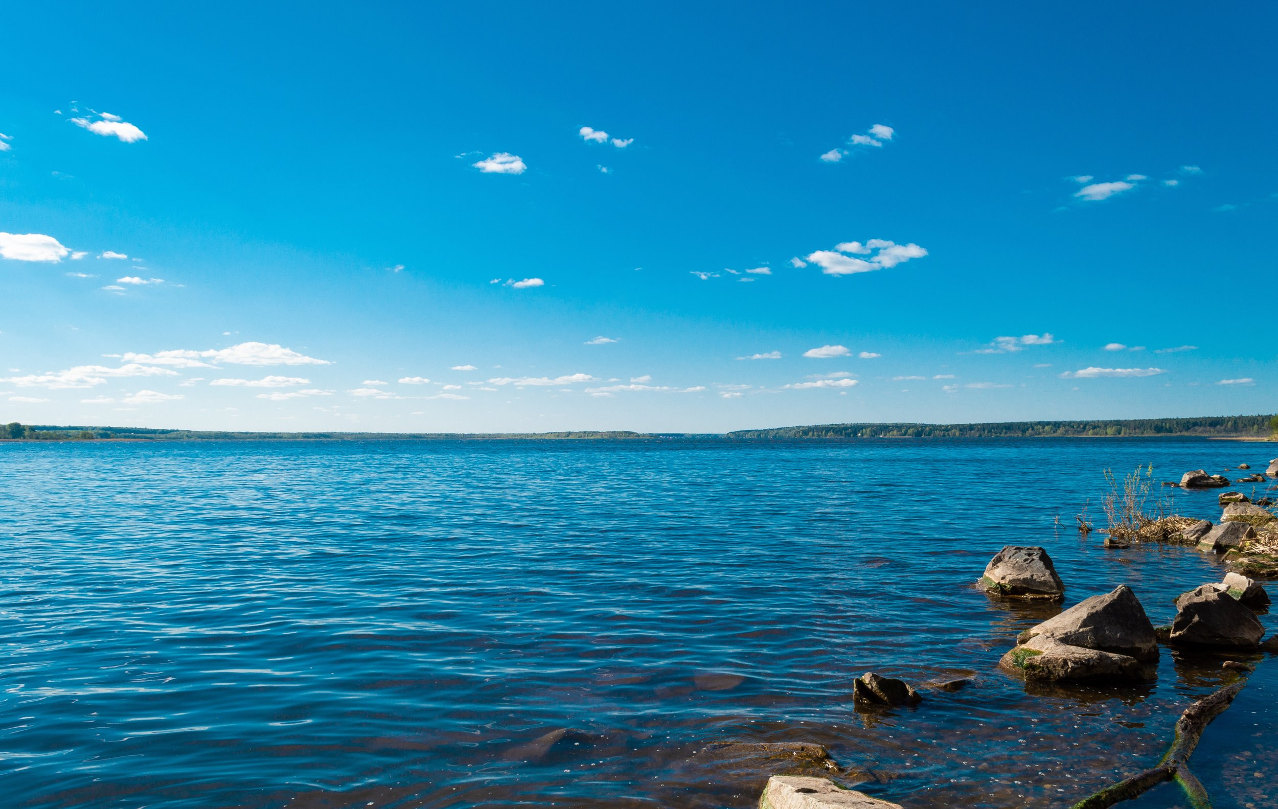 beautiful-calm-waters-horizon-2091351.jpg