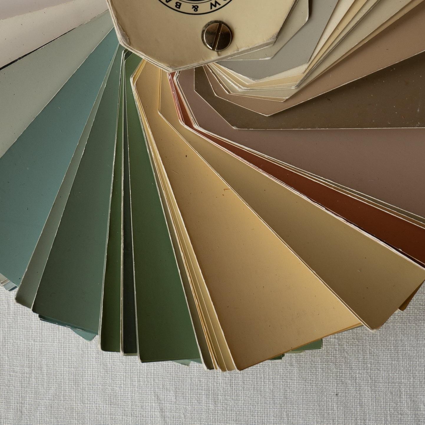 KLEURADVIES - Ik help je kleuren en materialen te combineren. Zo geniet je daarna van een persoonlijk interieur, een inspirerende werkplek of een aantrekkelijke winkel.Hoe werkt het voor mijals particulier?als schilder?als winkel / bedrijf?