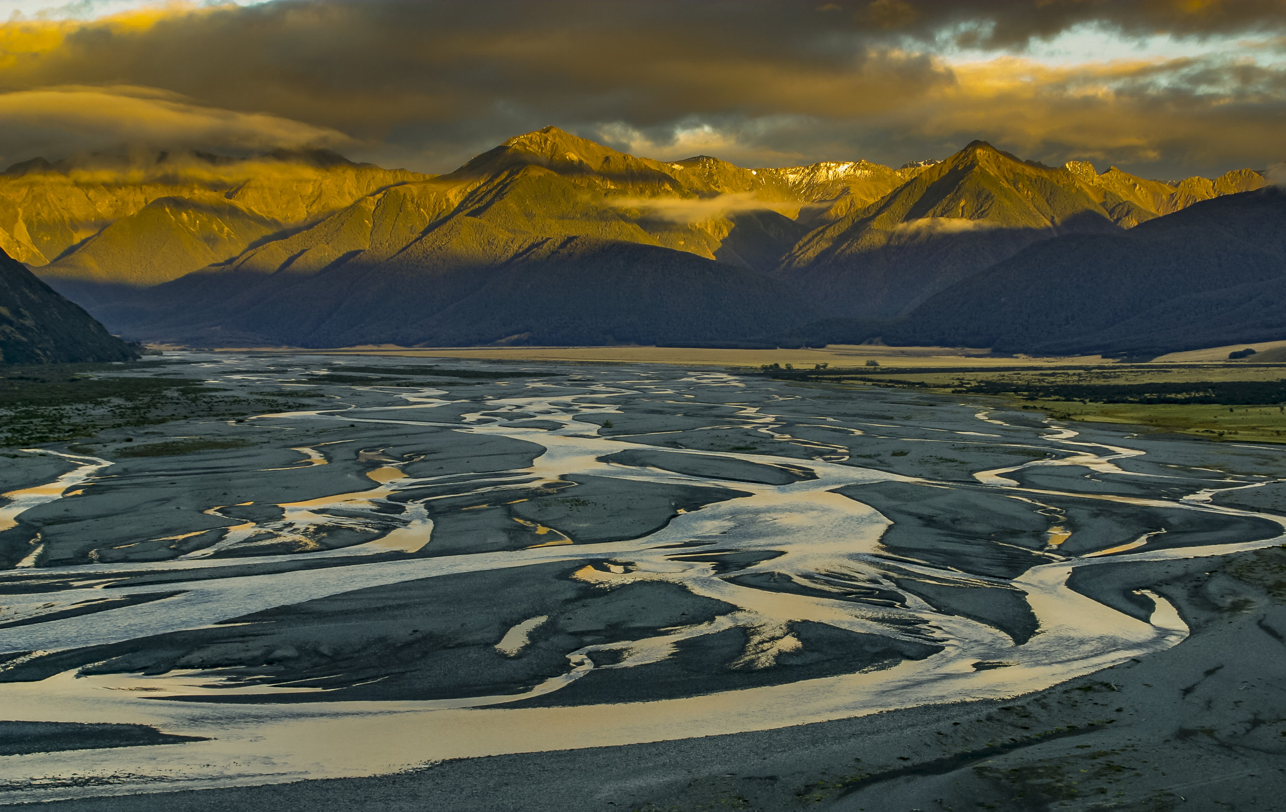 Photo info:  Waimakariri River, Canterbury, New Zealand. Photo credit: Professor Angus McIntosh/University of Canterbury