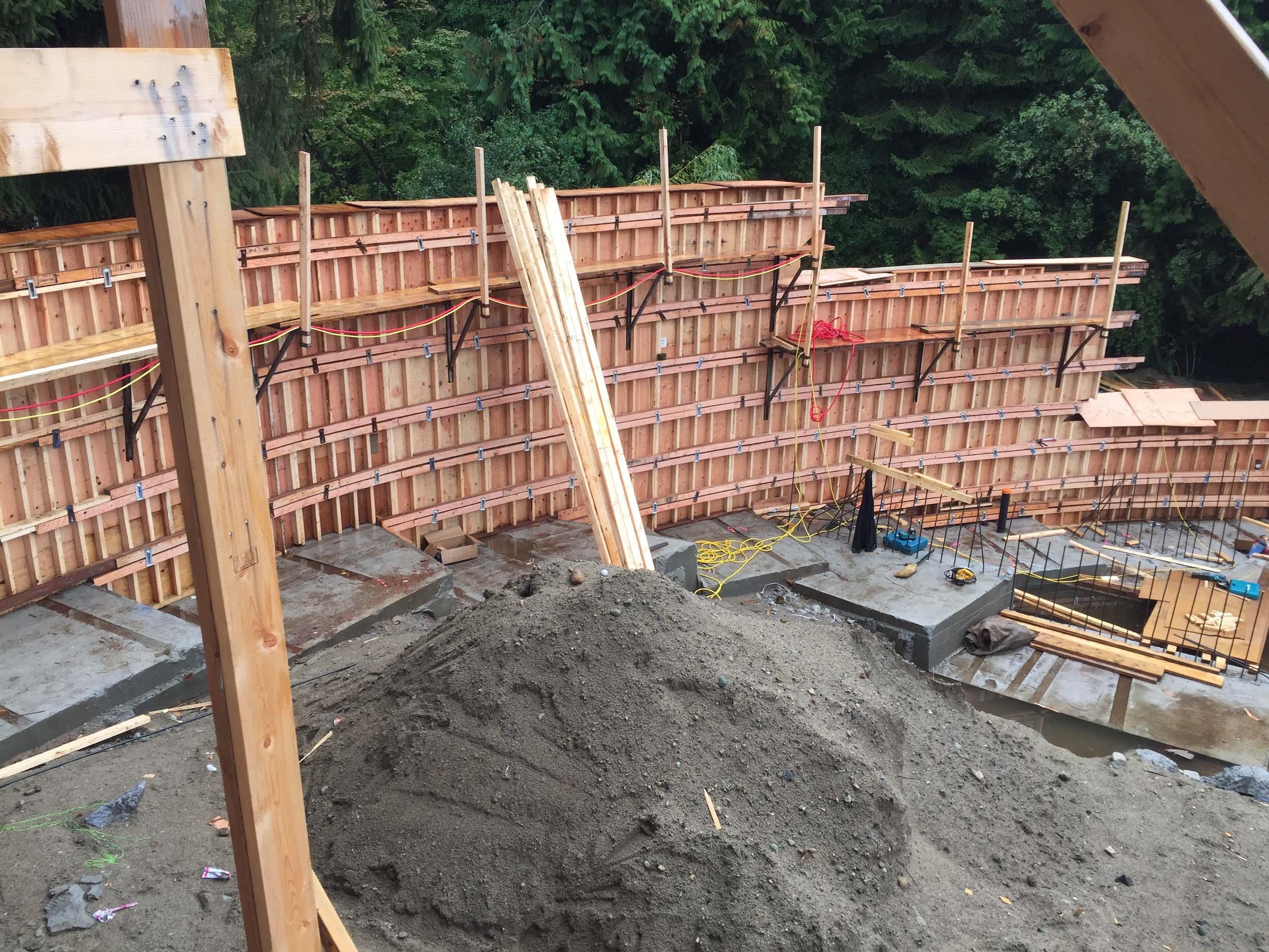 Postle_Construction_ConcreteForming8.jpg