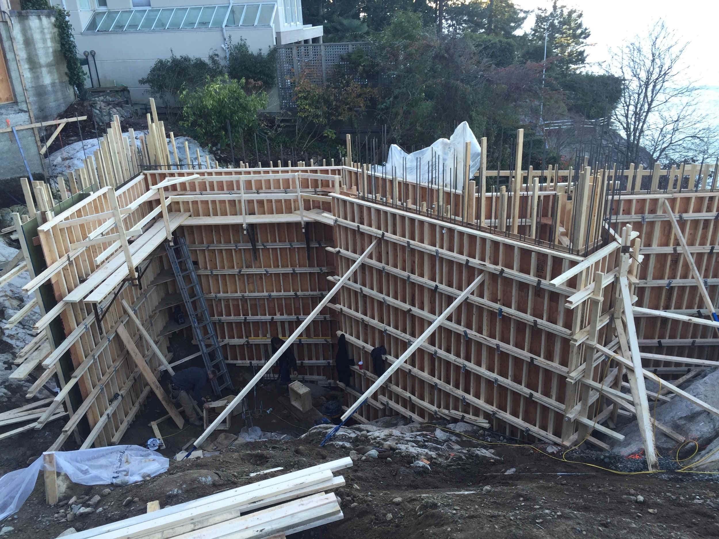 Postle_Construction_ConcreteForming16.jpg