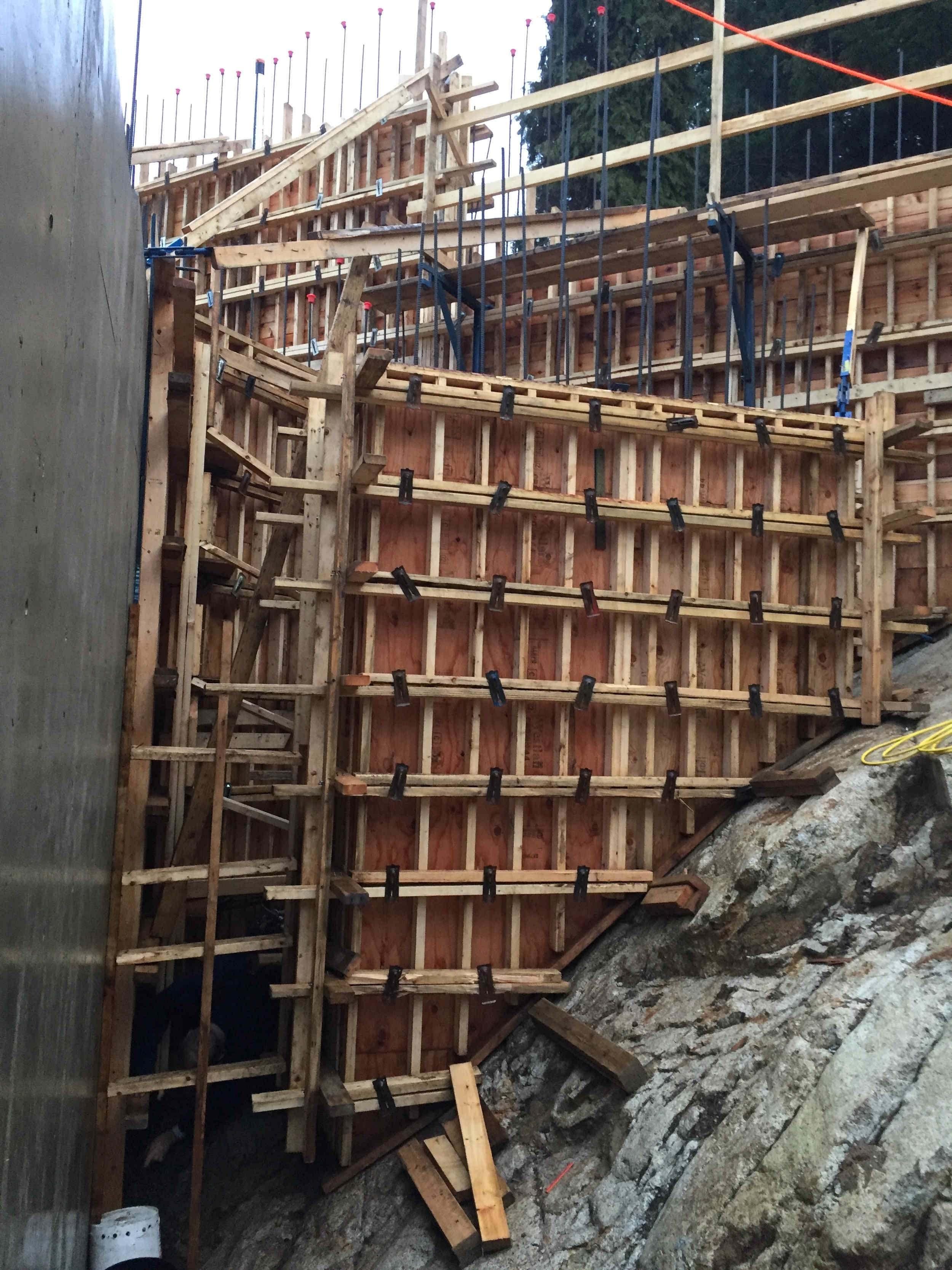 Postle_Construction_ConcreteForming18.jpg